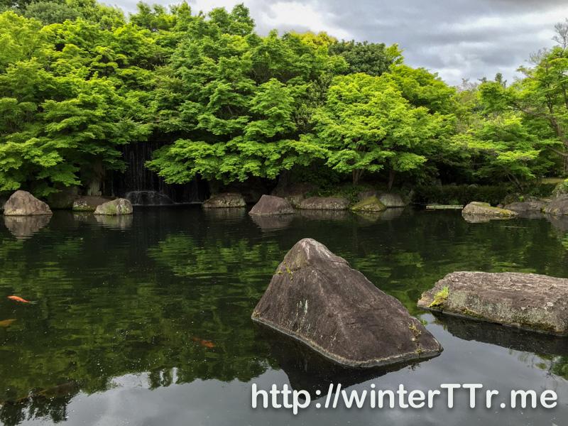 0503-himejiniwa-lake.jpg